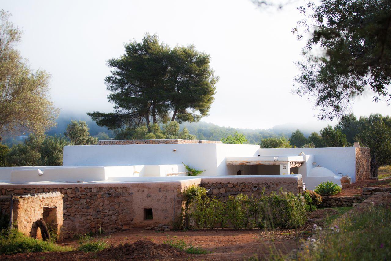 Kelosa-02-Ibiza-Santa-Eulalia-Charming-reformed-finca–near-Morna-Valley