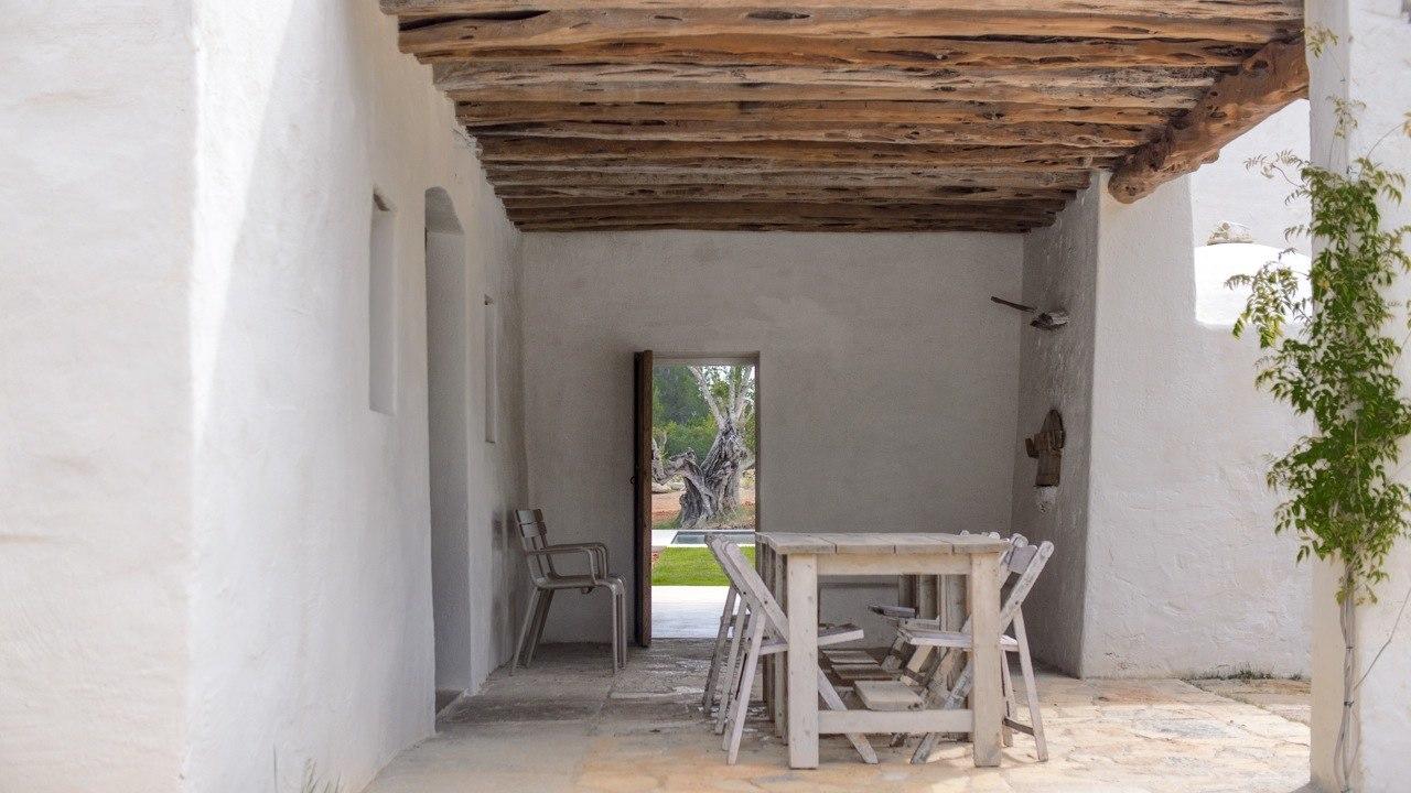Kelosa-05-Ibiza-Santa-Eulalia-Charming-reformed-finca–near-Morna-Valley