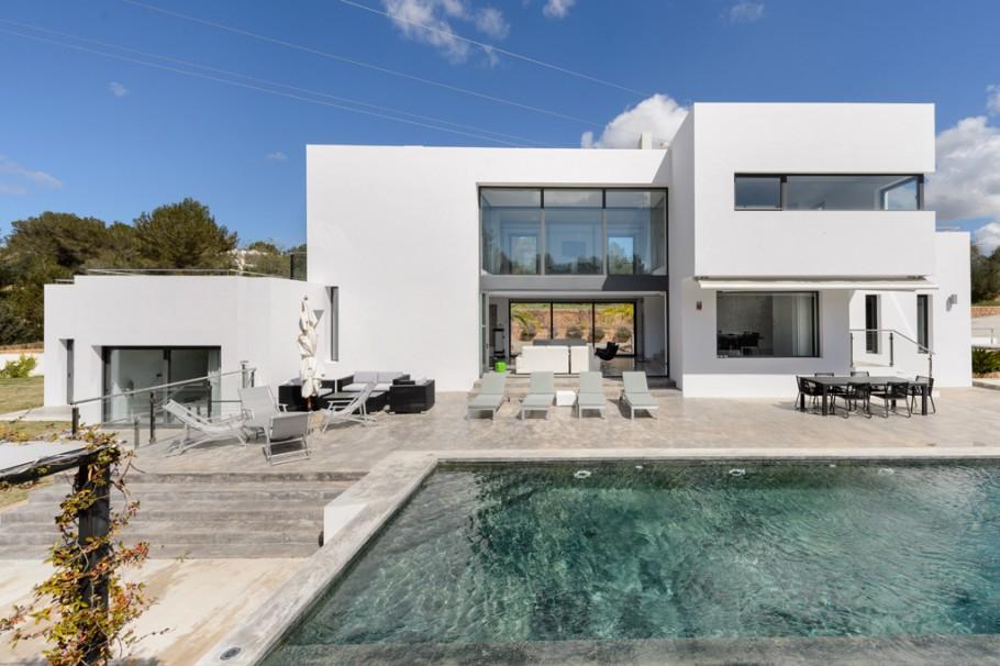 Modernes landhaus nahe santa gertrudis ibiza zum verkauf for Gartengestaltung 400 m2